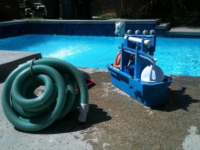vzdrzevanje-vode-v-bazenu